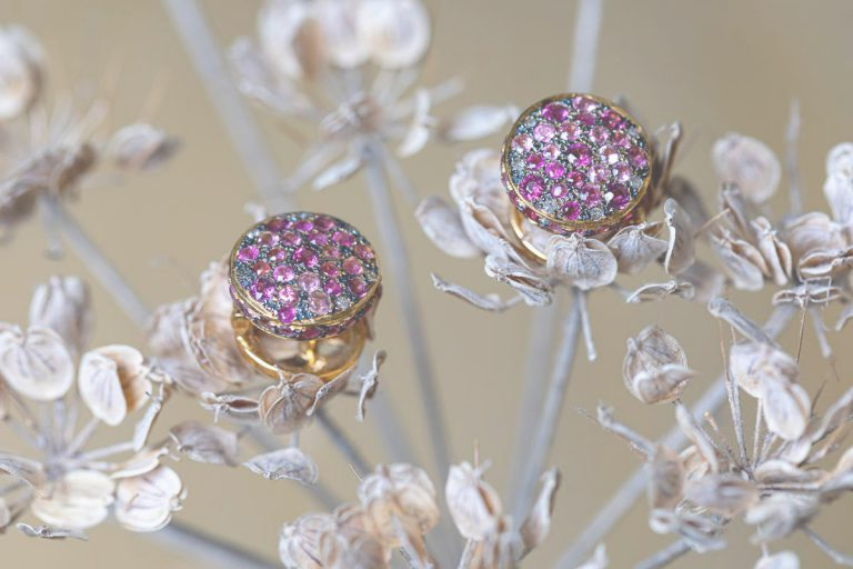Fred's Choice - Bouton oorstekers 18 krt roze toermalijn en bruine diamant - 001